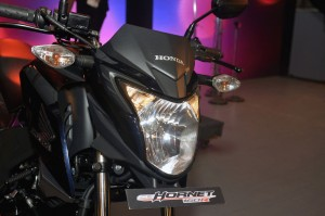 Photo of Honda CB Hornet 160R motorbike (front view)
