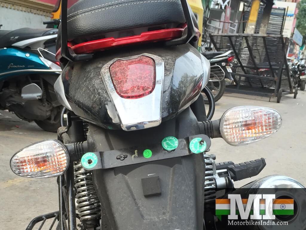 Bajaj V15 image back view - exhaust