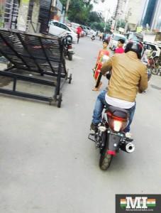 Bajaj V15 on road