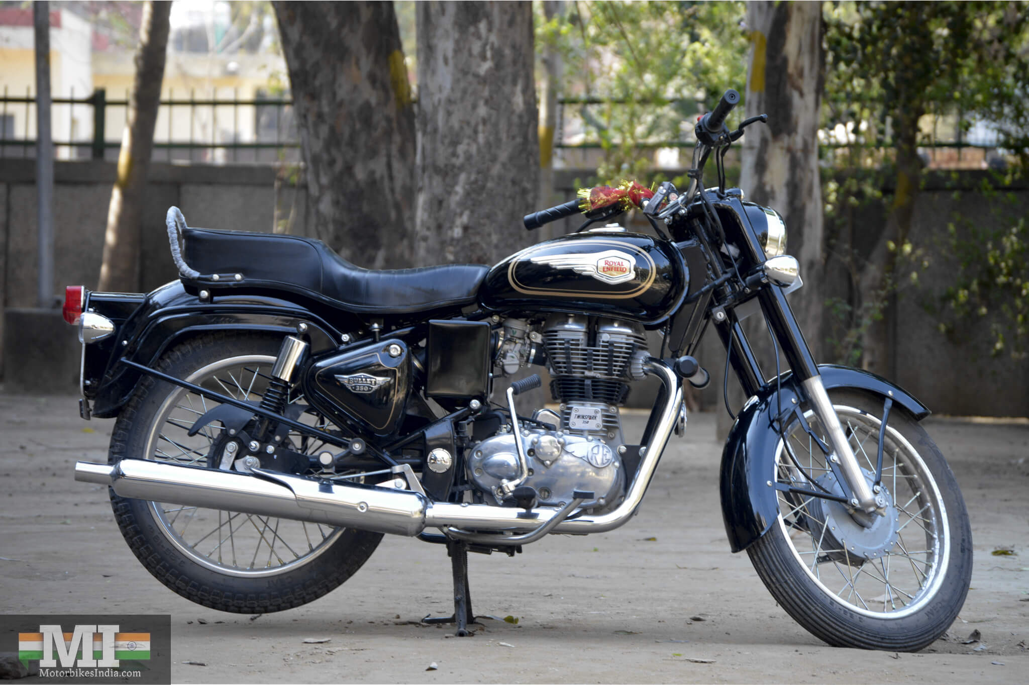 Royal enfield bullet pictures - Royal Enfield Bullet 350 Review