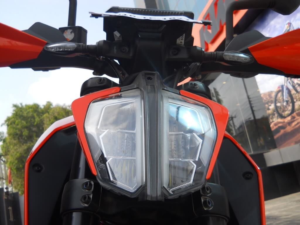 KTM Duke 390 Details - Headlamp