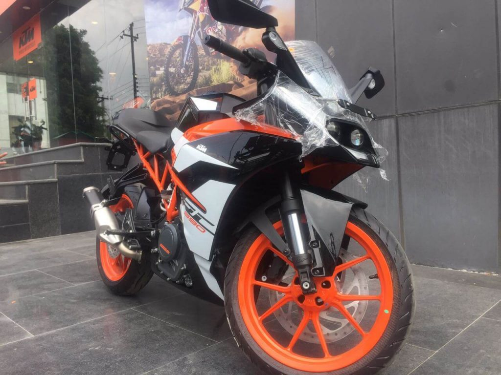 2017 KTM RC 390 - Ex-showroom price in New Delhi