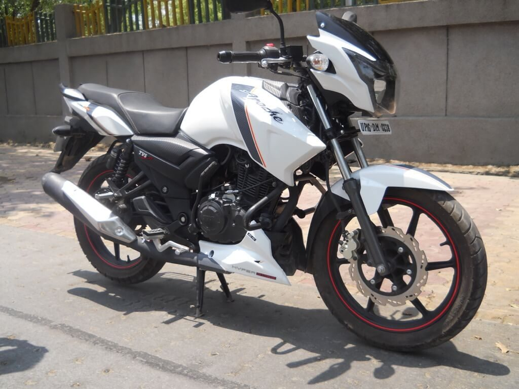 TVS Apache RTR 160 Review - Design and colours