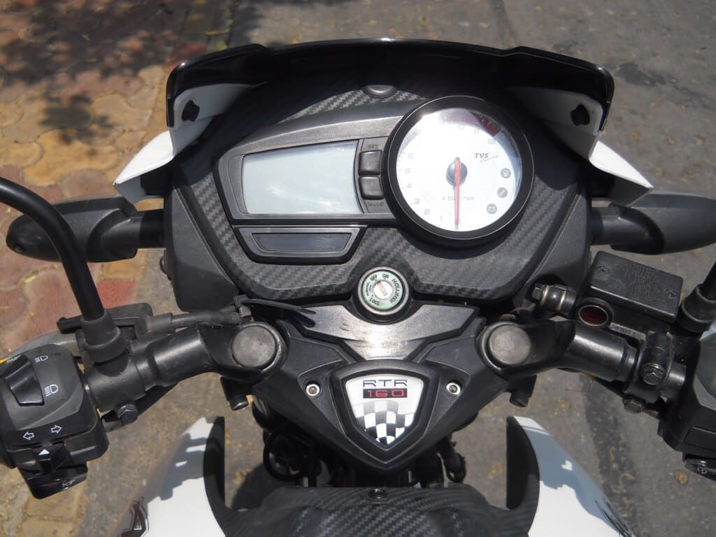TVS Apache RTR 160 Review - Instrument Panel