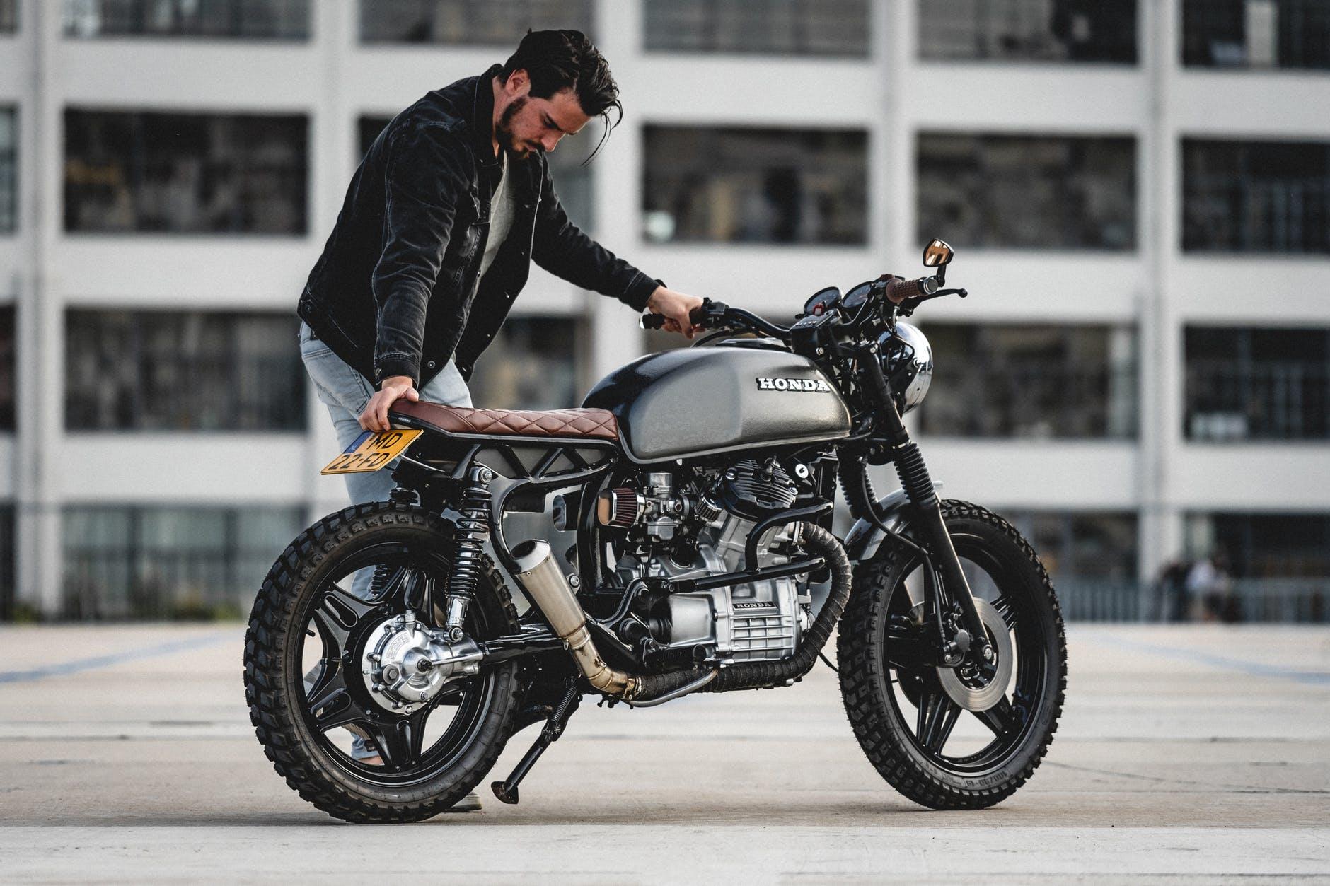 Top 10 Cafe Racer Bikes Of 2019 Ii Motorbikes India